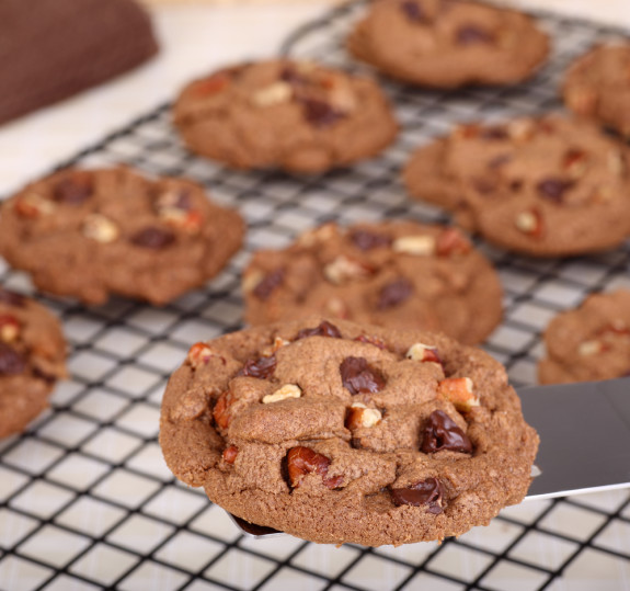 chocolatechip-pecan-cookies